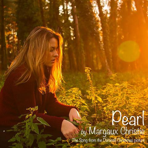pub Duracell - Pearl de Margaux Christie