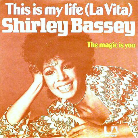 pub Alfa Romeo - La Vita de Shirley Bassey